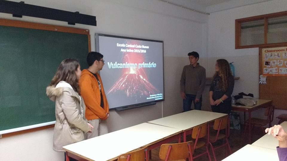 Lessons about volcanoes in Escola Básica e Secundária da Madalena