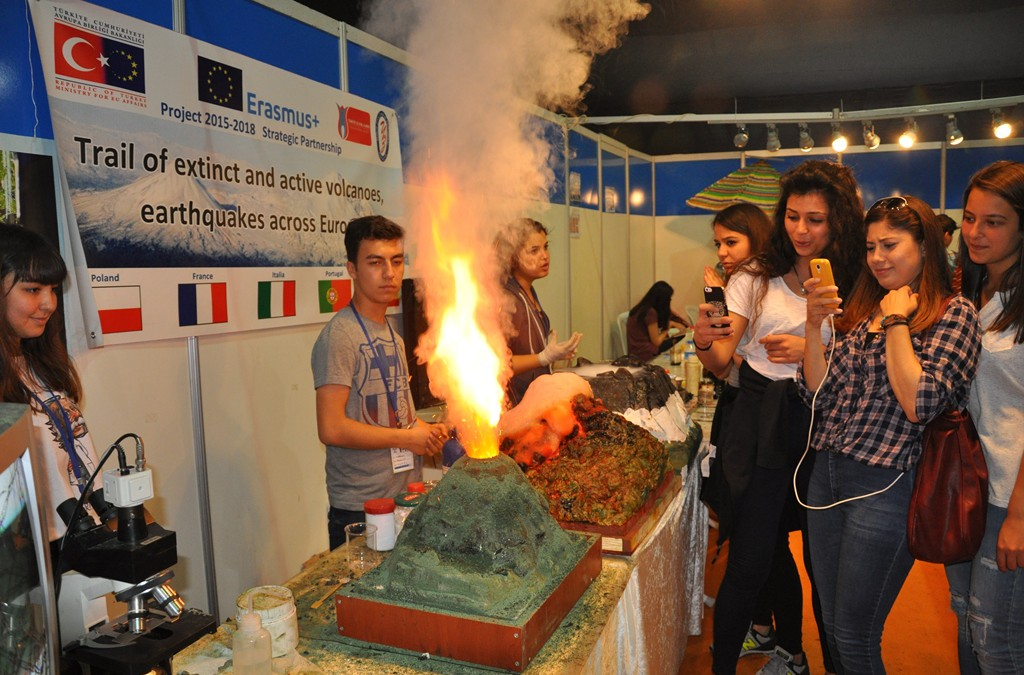 Turkish school presented our project at Science Festival – 12-18 April 2016