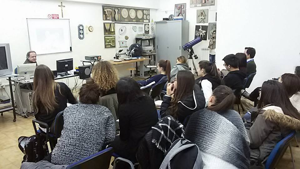 Lessons about plants and animals of volcanic region at Italian school.