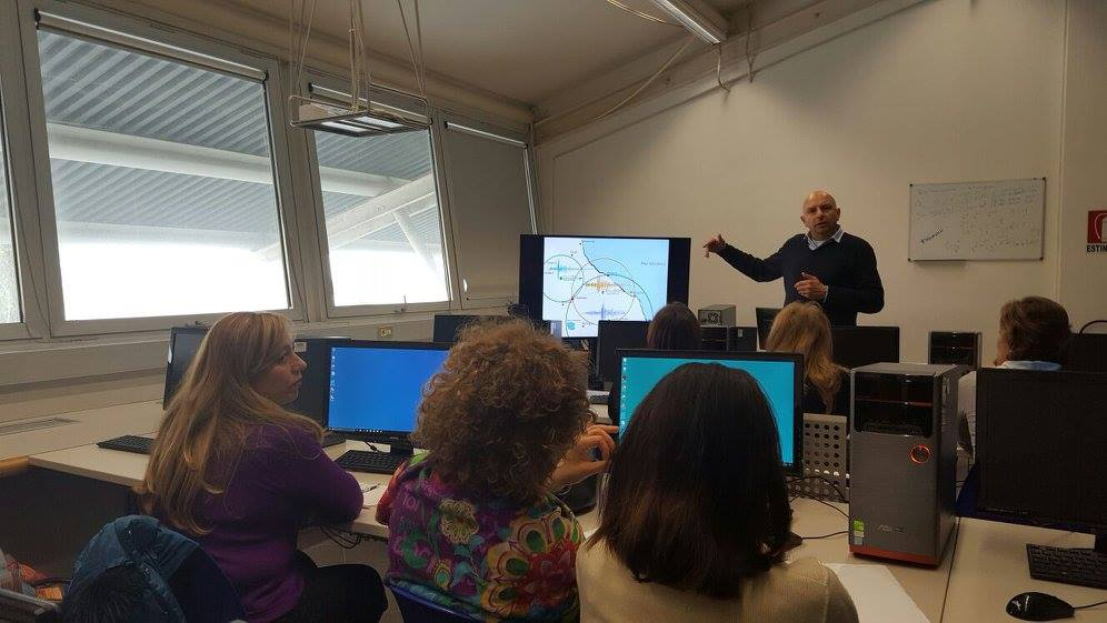 Teacher training about educational seismograph at Italian school